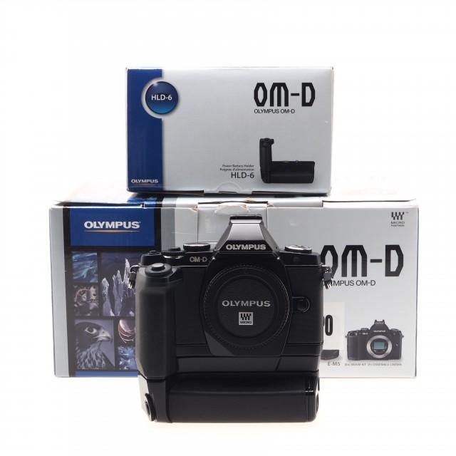 Olympus OM-D E-M5 (Body) + Holder HLD-6G