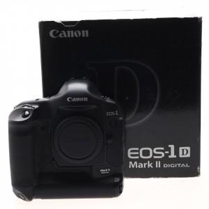 Canon EOS 1D Mk II (7.850 scatti !)