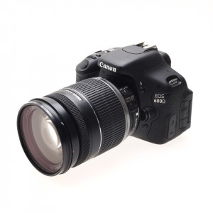 Canon 600D (KIT) + EF-s 18-200mm (3.600 scatti)
