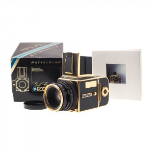 Hasselblad 500 C/M 'Gold Exclusive' (30th anniversary) 1957-1987 (N°0179)