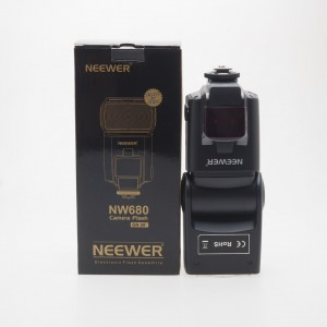 Neewer NW680 GN58 per Canon