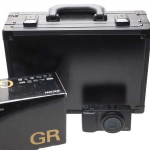 Ricoh GR II Premium Kit 10° Anniversario