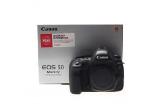 Canon EOS 5D Mk IV body (104.000 scatti)