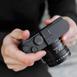 Leica Q2 supporto per pollice