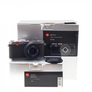 Leica X1 (steel gray) + borsa pronto cuoio originale