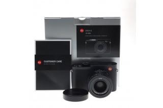 Leica Q (Black) con HandGrip